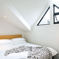 2 bedrooms, 1 ensuite, King and queen beds