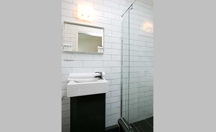 Bunk room – bathroom
